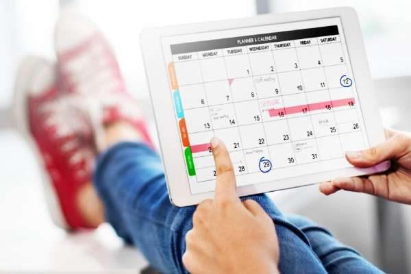 agenda-showing-on-a-digital-tablet